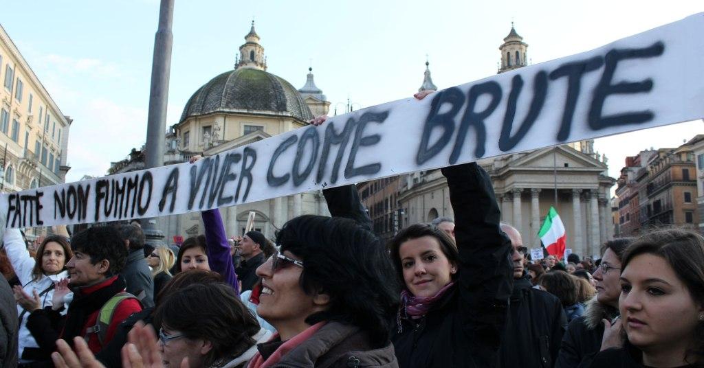 Proteste donne Pozzato