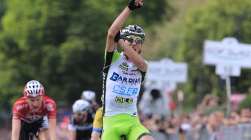 Pirazzi vince a Vittorio Veneto e fa l ombrello